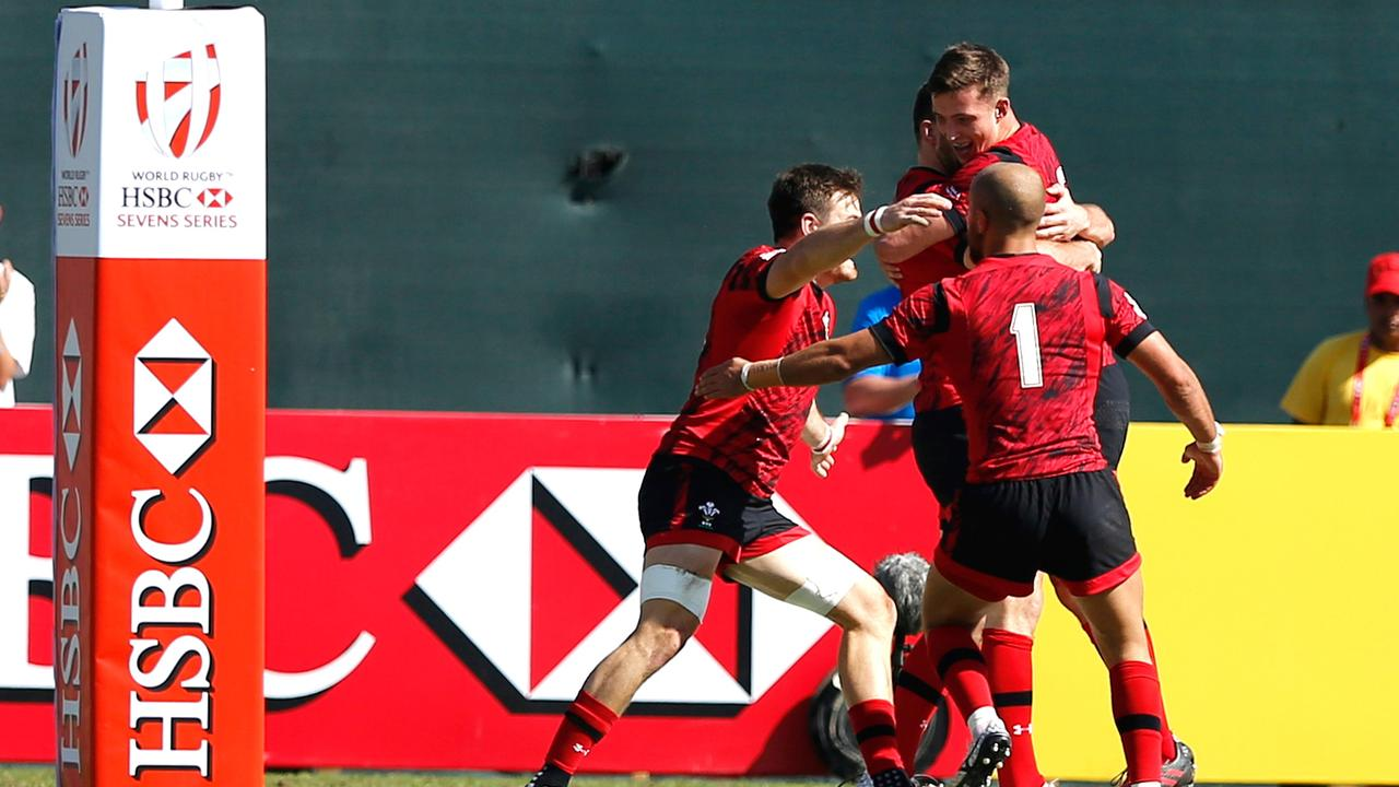 RE:LIVE! Wales qualify for semi-finals whilst ref Rasta takes a tumble!