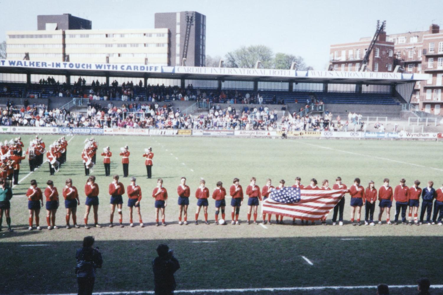WRWC 1991: USA Rugby Sing the Anthem ahead of the final