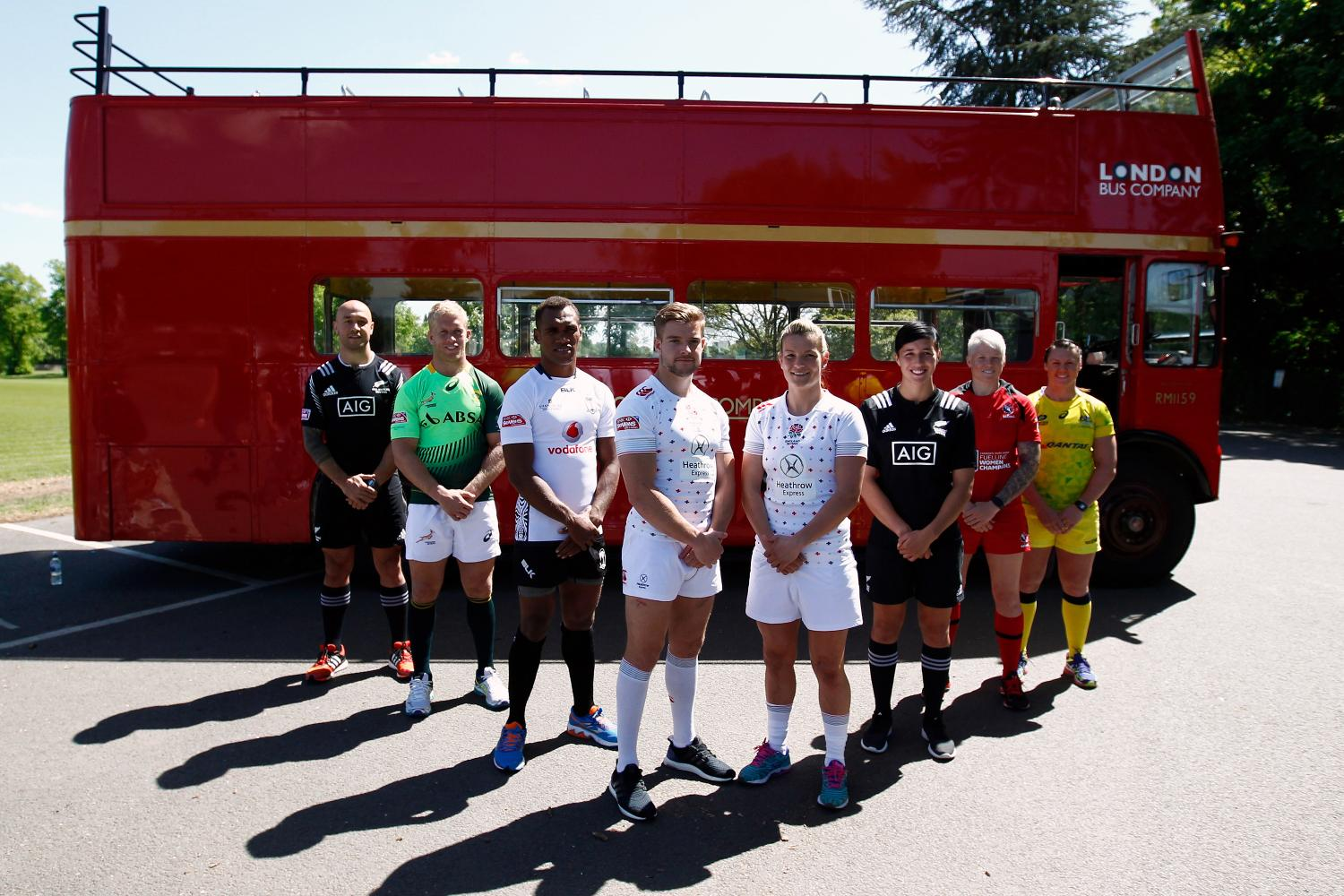 Men's and women's sevens captains pose ahead of the London 7s