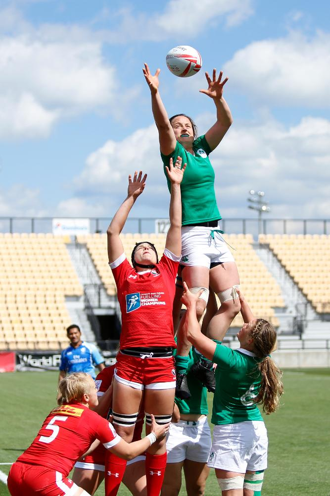Ireland takes possession in the line-out