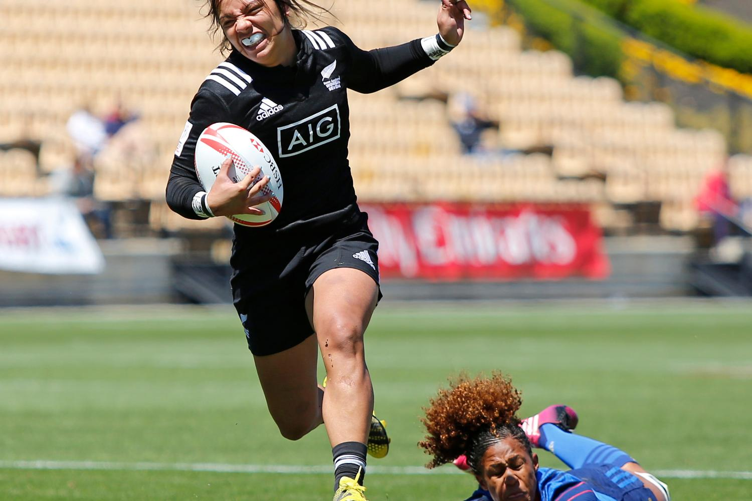 New Zealand eludes tackle