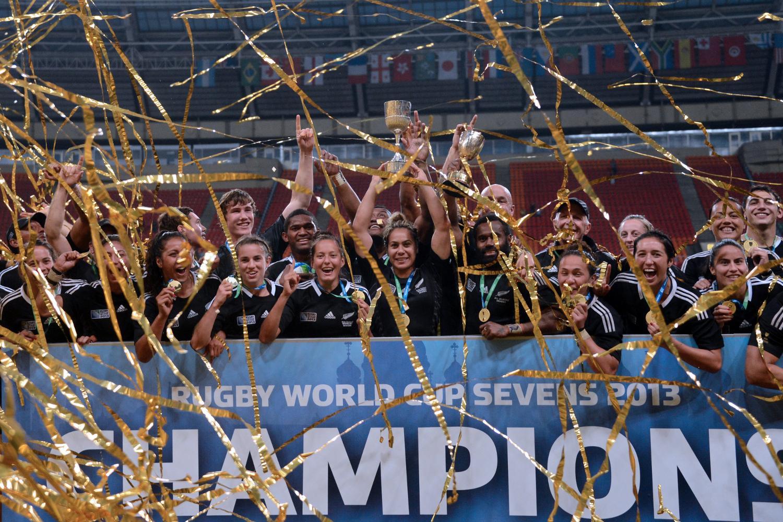 RWC Sevens 2013 and WRWC Sevens 2013 - New Zealand trophy lift
